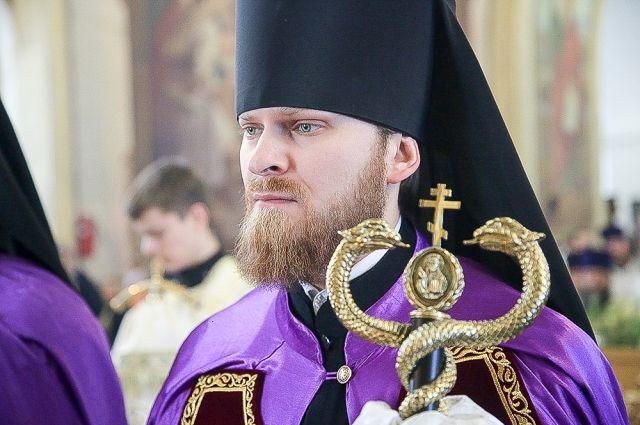 «Вы же батюшка!» Как хирург Алапаевской больницы стал епископом